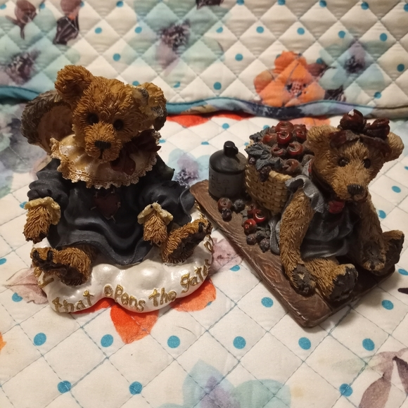 Boyd's Bears and Friends Figurine Set